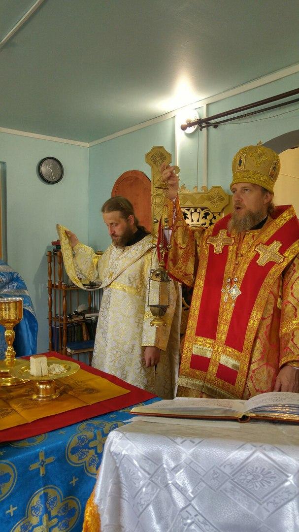 Богослужение в храме Успения Пресвятой Богородицы в с. Ижма